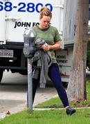 http://img210.imagevenue.com/loc11/th_806606560_Hilary_Duff_Going_to_Workout5_122_11lo.jpg