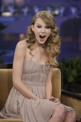 Nov 22, 2010 - Taylor Swift - Tonight show with Jay Leno in Los Angeles Th_02388_tduid1721_Forum.anhmjn.com_20101130142806003_122_135lo