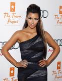 Kim Kardashian (Ким Кардашьян) - Страница 6 Th_91694_kim_kardashian_1_tikipeter_celebritycity_026_123_409lo