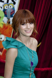 http://img210.imagevenue.com/loc545/th_595709336_Bella_Thorne_The_Muppets_Premiere_Hollywood_122_545lo.jpg